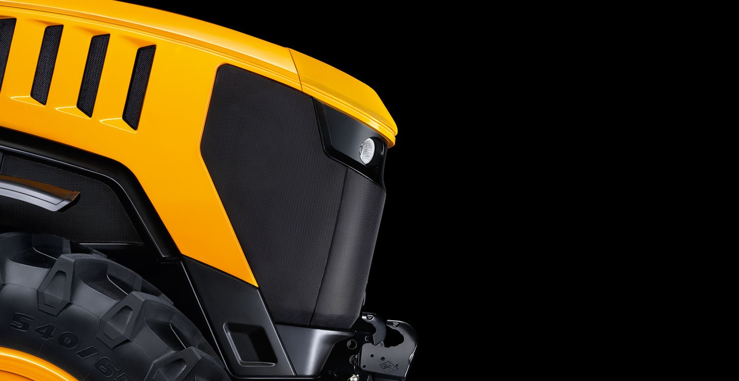 Jcb Fastrac tractor storms to new record