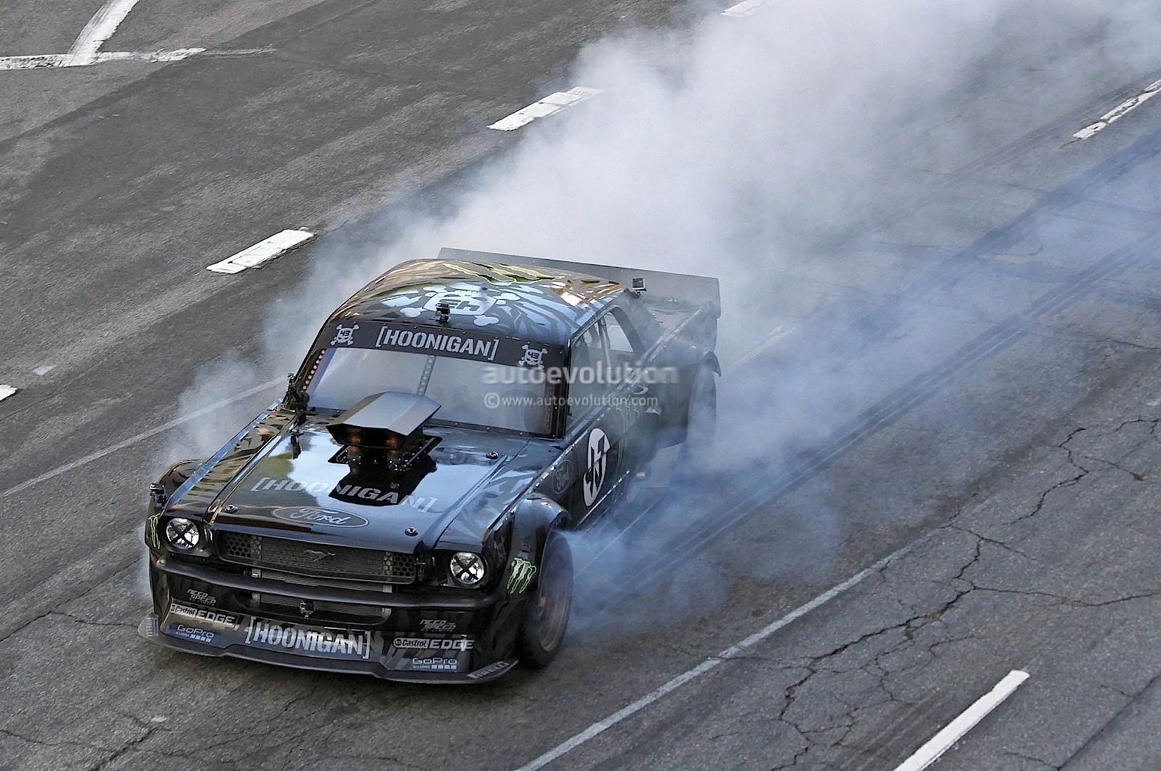 Fast Awd Cars >> Gymkhana 7: Ken Block Drifting AWD Mustang in LA - autoevolution