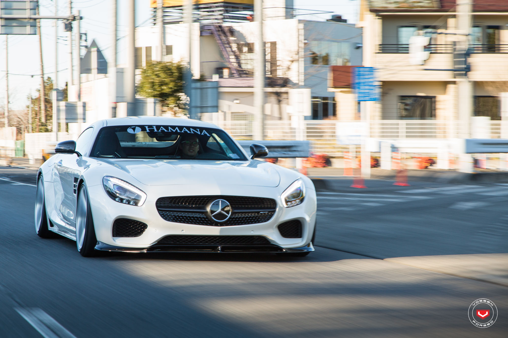 Hamana japan gives widebody mercedes amg gt some new for Mercedes benz japan