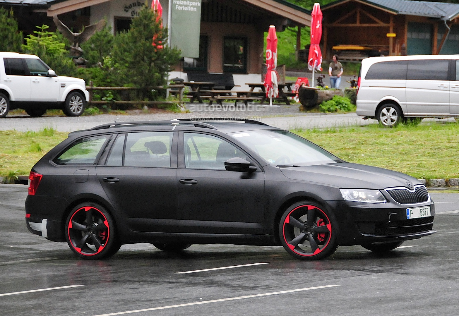 hardcore skoda octavia vrs with 280 hp spied for the first time autoevolution. Black Bedroom Furniture Sets. Home Design Ideas