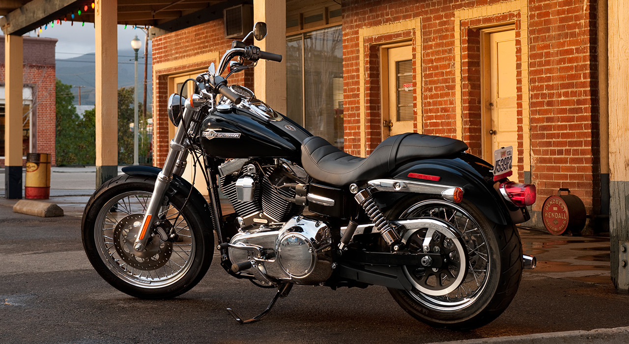 Harley-Davidson 2014 Dyna Super Glide Custom FXDC Arrives - autoevolution