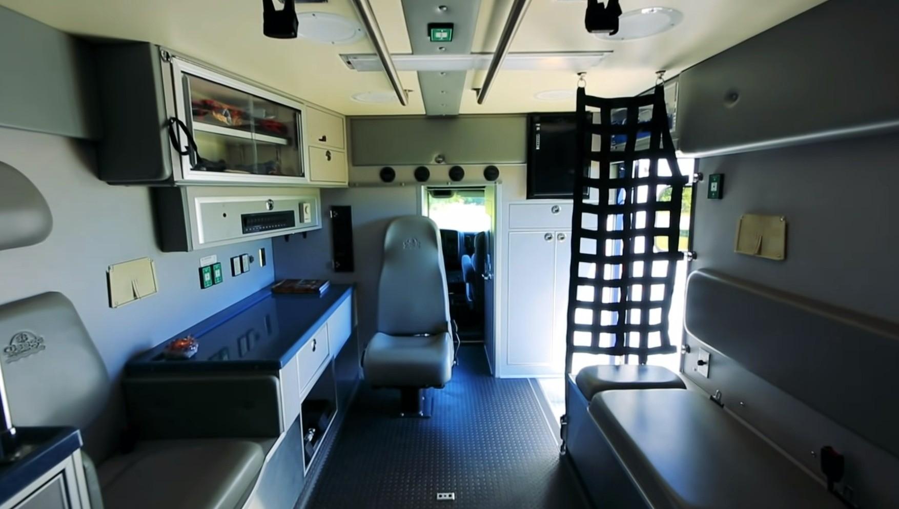 Campulance interior