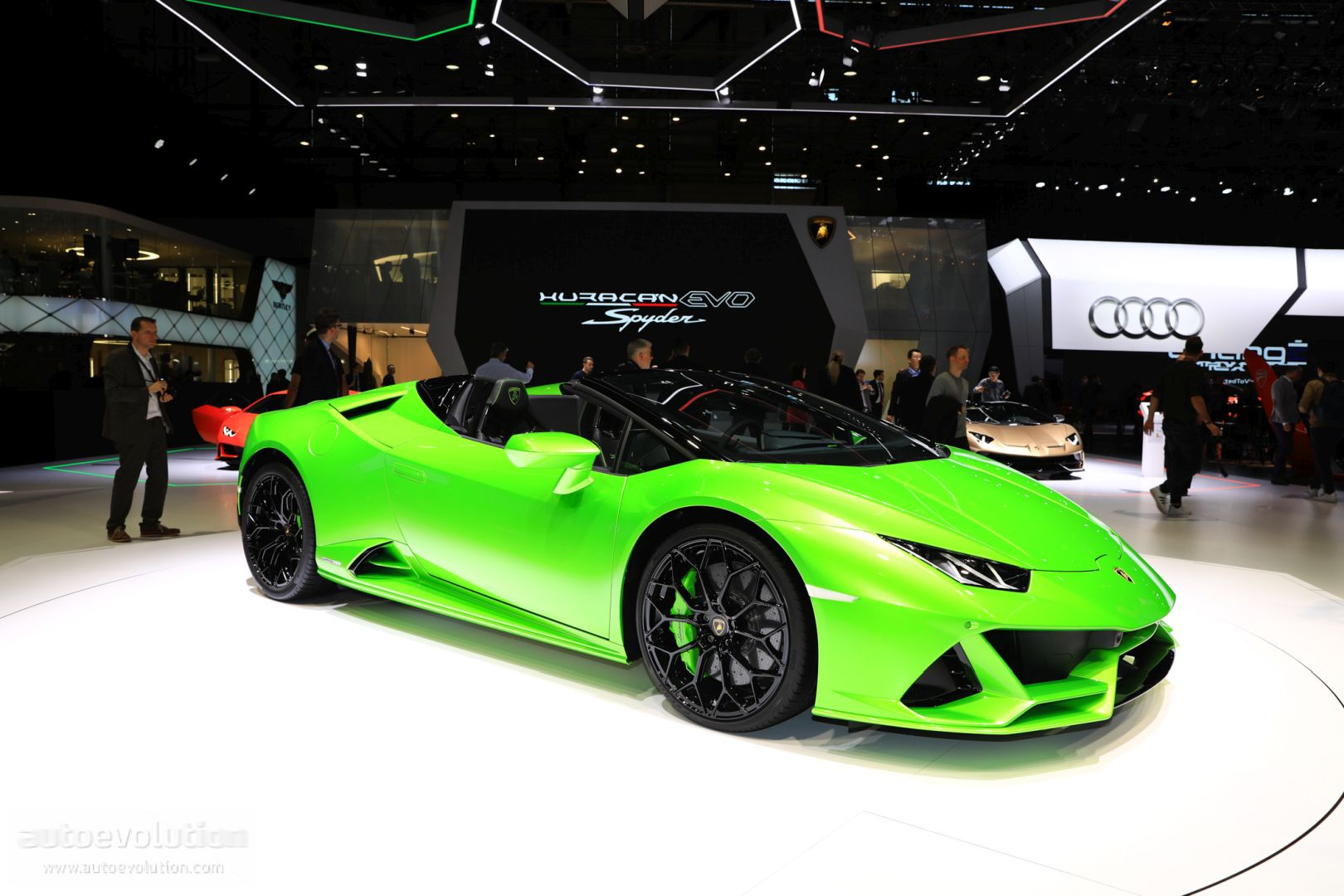 Lamborghini Huracan Evo Looks Wild In This Three Color Spec