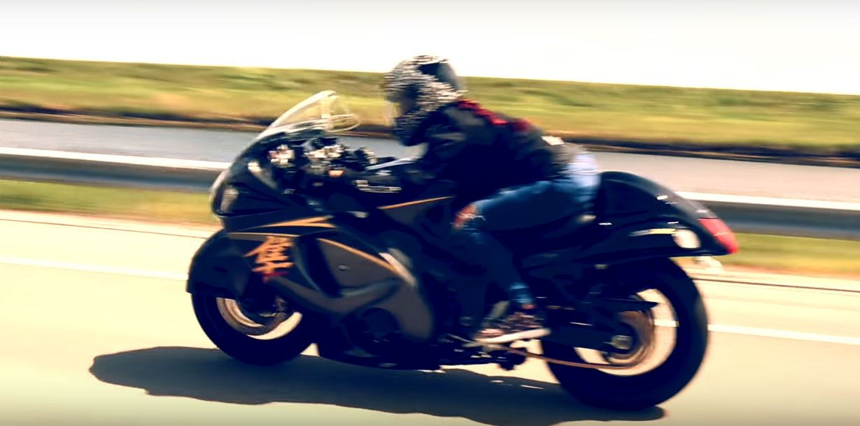 Hayabusa Girl Lexi Trolls Hellcat at 120 MPH, Won't Reveal