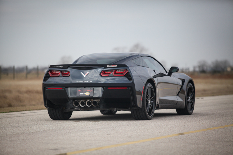 Hennessey Hpe650 Supercharged C7 Corvette Vs 2015 Corvette Z06 Video Autoevolution
