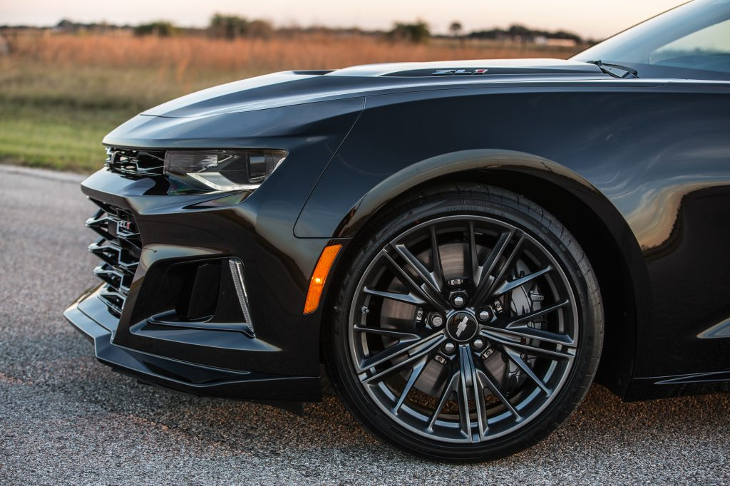 hennessey pushes 2017 chevrolet camaro zl1 to 1 000 hp in. Black Bedroom Furniture Sets. Home Design Ideas