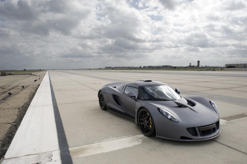 hennessey sets  speed record claims venom gt faster  bugatti veyron video autoevolution