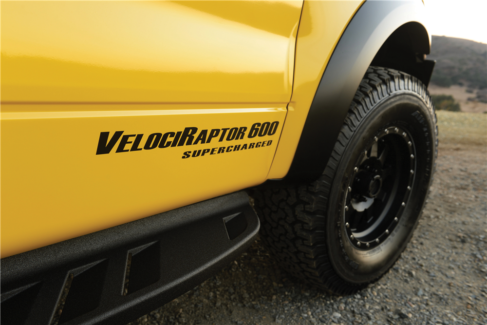 Hennessey VelociRaptor Driven by Jeremy Clarkson to Cross the