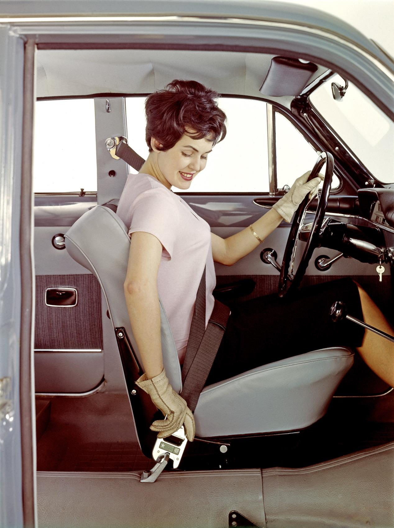 Heres A Big Fat Happy Birthday To The Volvo Amazon Autoevolution 1955 Ford Car Seat Belts