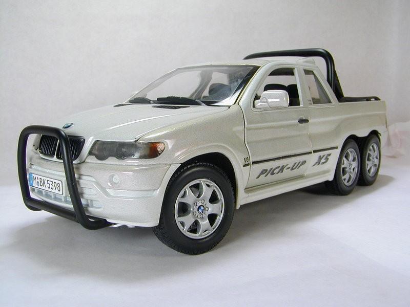Here S A Bmw X5 6x6 Pickup For You Too Bad It S A Scale Model Autoevolution