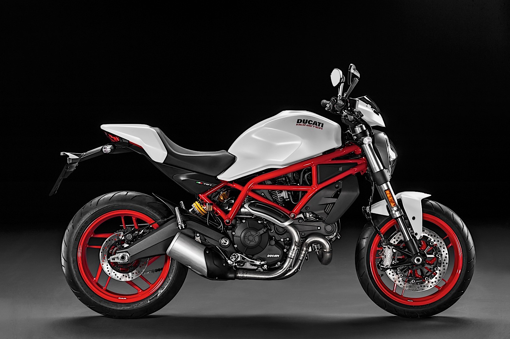 here s every detail about the 2017 ducati monster 797 autoevolution. Black Bedroom Furniture Sets. Home Design Ideas