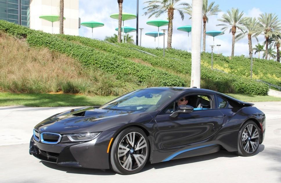 Here S How Florida Panthers Scott Upshall Got His Bmw I8 Autoevolution