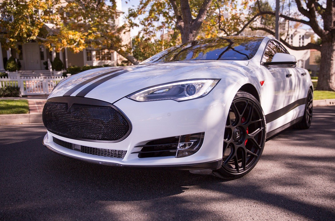 Here S What The First Customized White Tesla P85d Looks