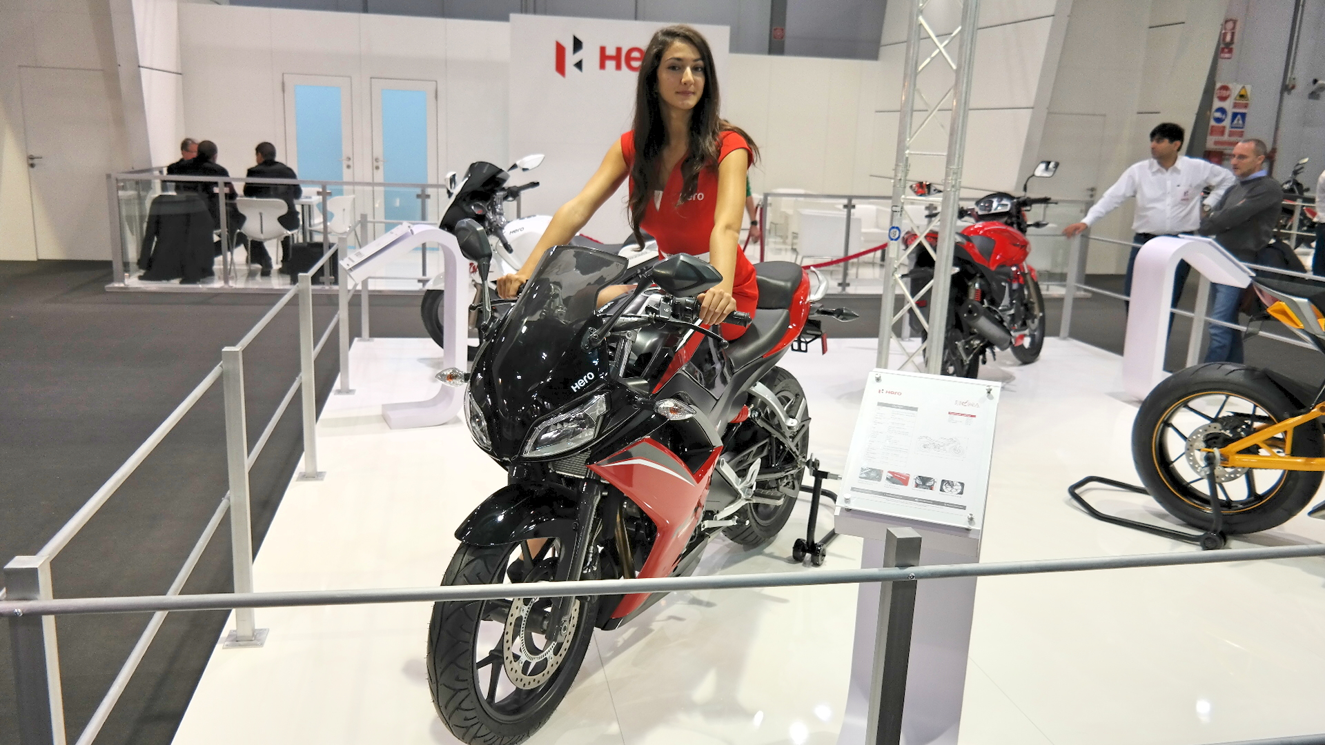 hero wants a piece of the european market with its hx250r at eicma live photos autoevolution. Black Bedroom Furniture Sets. Home Design Ideas