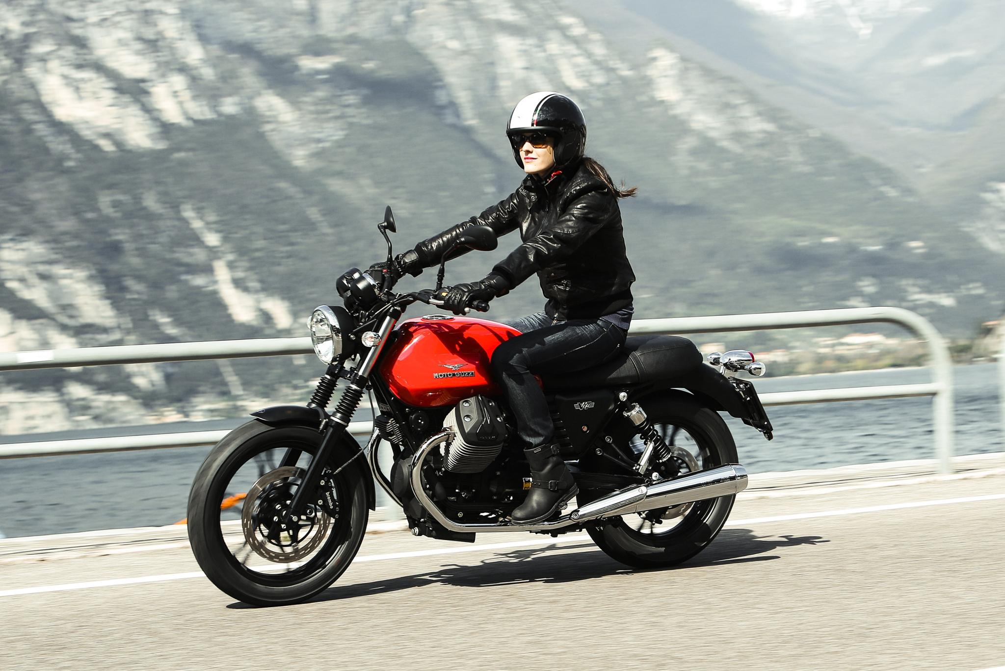 Hi-Res Photos of the new Moto Guzzi V7 Bikes Released - autoevolution