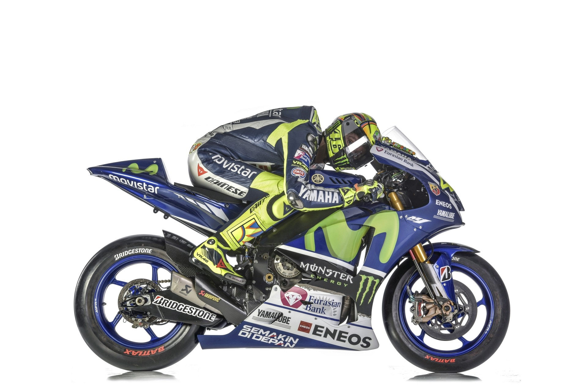 High-Res Photos of the 2015 Yamaha YZR-M1 with Rossi and Lorenzo - autoevolution