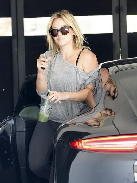 Hilary Duff Drives Her Porsche 911 To The Gym Not A G
