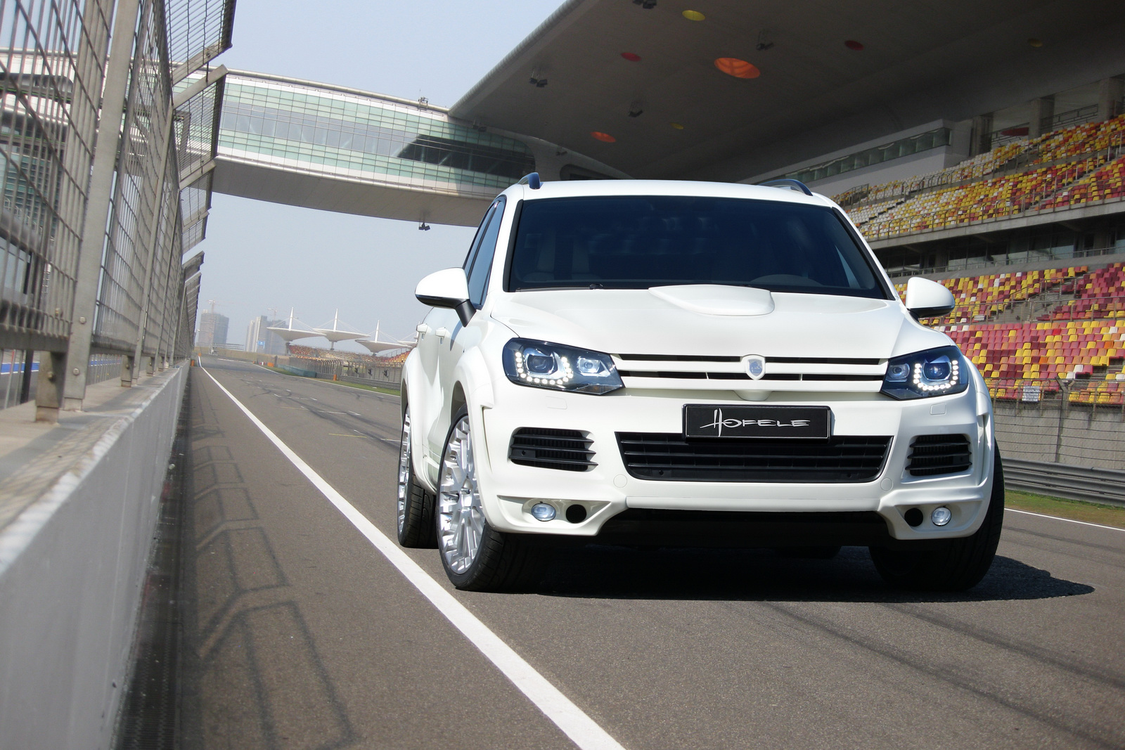 Hofele Design Unveils Vw Touareg Royal Gt 470 Autoevolution