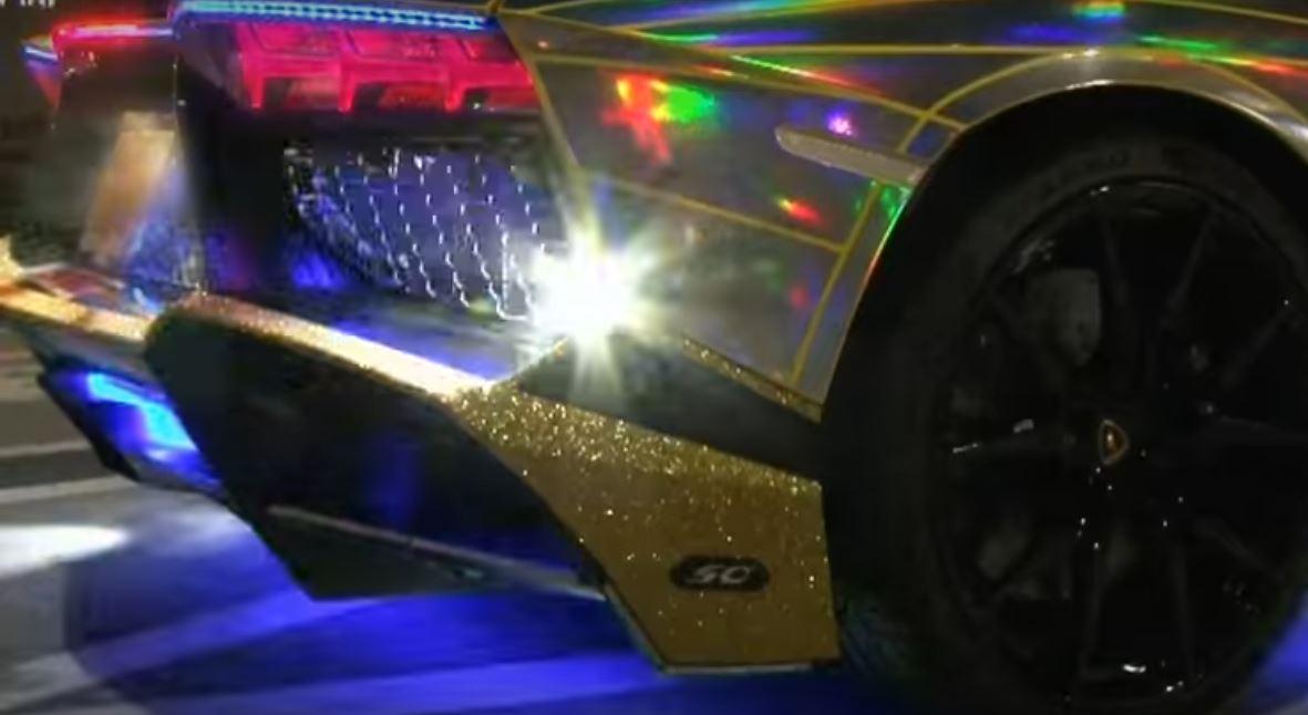 Holographic Lamborghini Aventador Roadster Has $30,000 Worth of LEDs on lamborghini motorcycle, lamborghini lm002, lamborghini mercy, lamborghini countach, lamborghini gallardo sv, lamborghini miura, lamborghini huracan, lamborghini superveloce, lamborghini estoque, lamborghini reventon, lamborghini truck, lamborghini lp560, lamborghini egoista, lamborghini veneno, lamborghini diablo, lamborghini ankonian, lamborghini murcielago, lamborghini embolado, lamborghini sesto elemento,