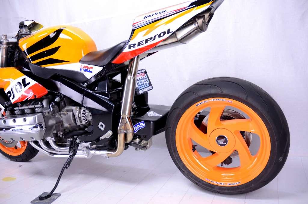 2010 Honda Cbr 1000rr >> Honda CBR1800RR Shames the CBR1000RR - autoevolution