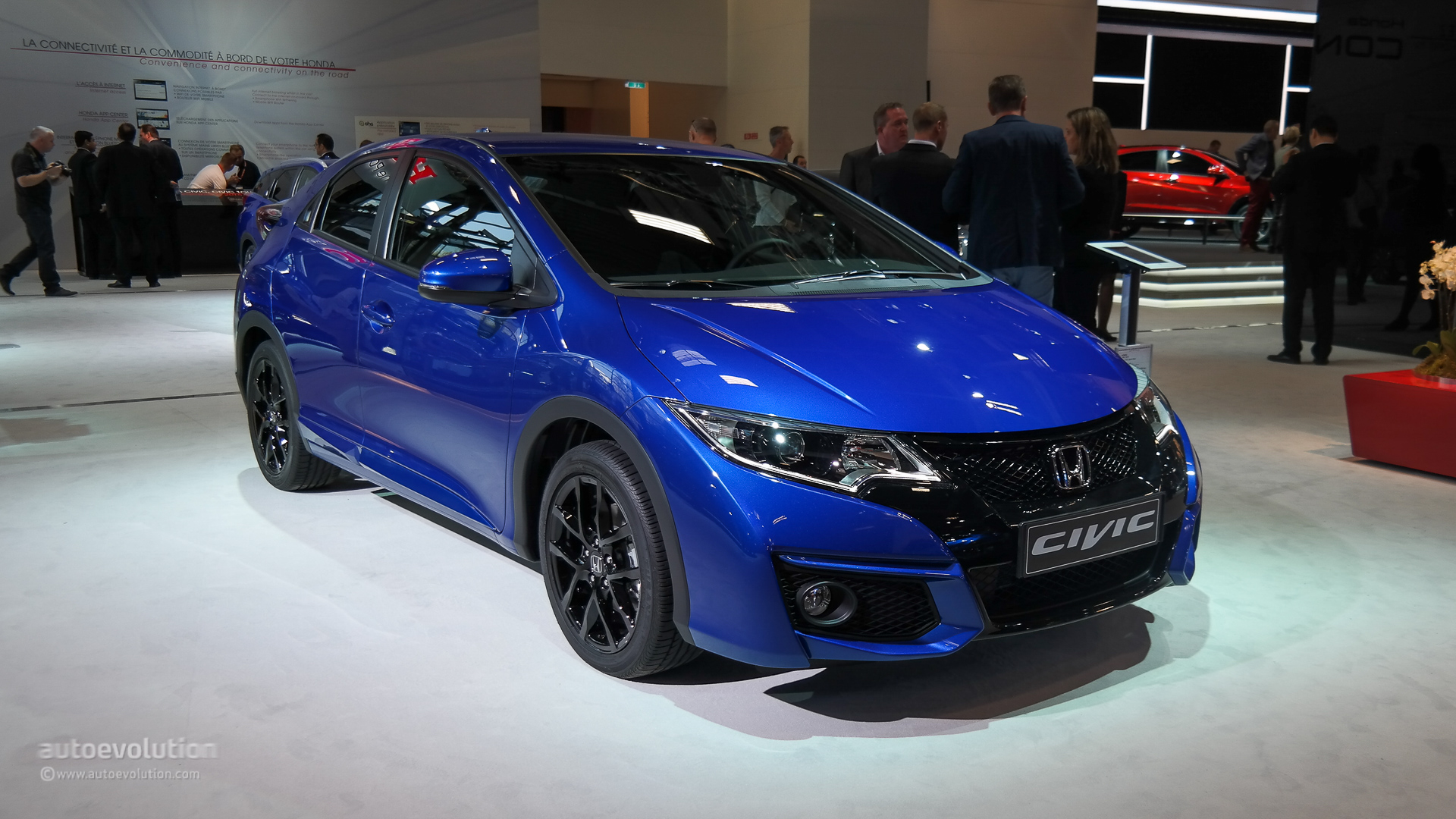 2017 Honda Civic Front 3 4 View