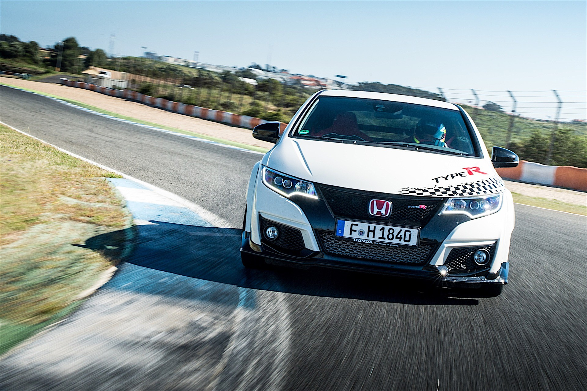 honda civic type r demolishes times at five legendary circuits in europe autoevolution. Black Bedroom Furniture Sets. Home Design Ideas
