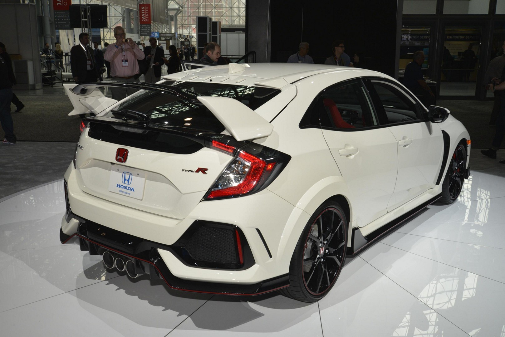 honda civic type r oozes fake carbon and 306 hp in new. Black Bedroom Furniture Sets. Home Design Ideas