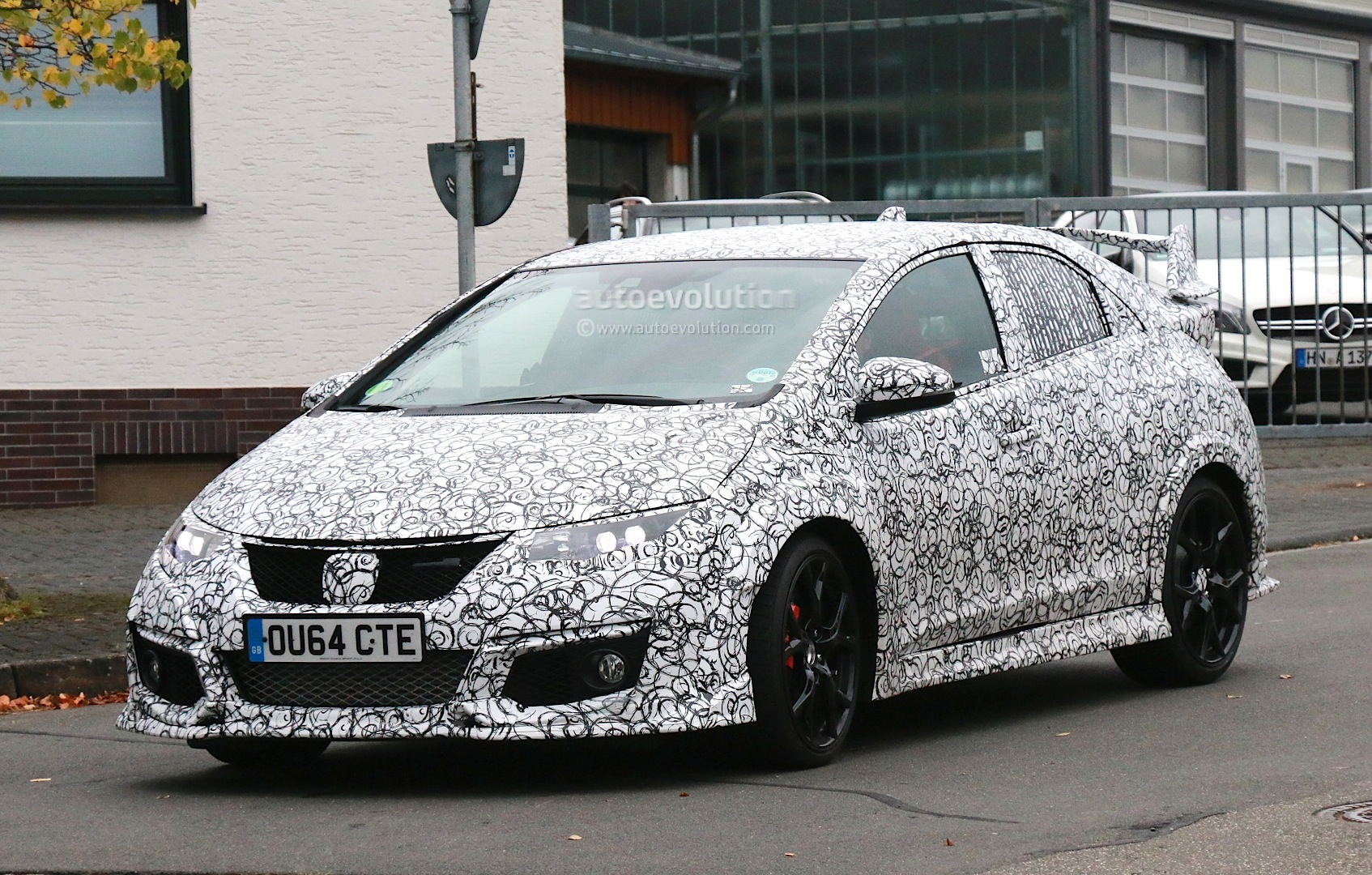 Honda Civic Type R Prototype Features Red Leather Bucket Seats and Brembo Brakes - autoevolution