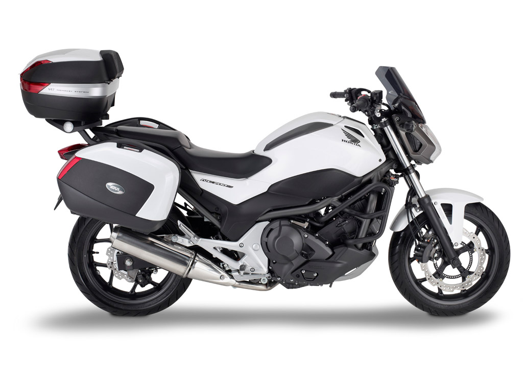 honda nc700s receives givi touring accessories autoevolution. Black Bedroom Furniture Sets. Home Design Ideas