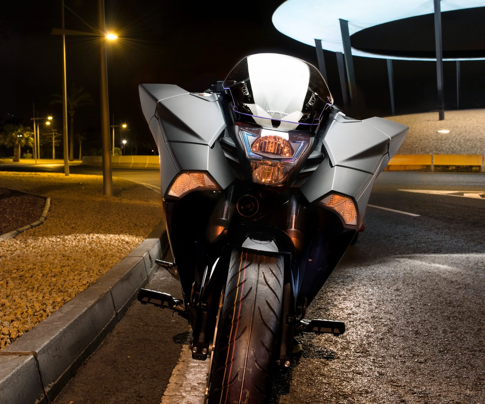 Honda NM4 Vultus Makes Debut Appearance at London Comic Con