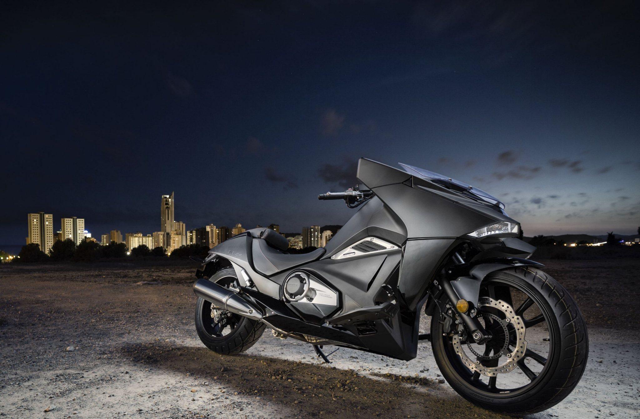 Honda NM4 Vultus Makes Debut Appearance at London Comic Con - autoevolution