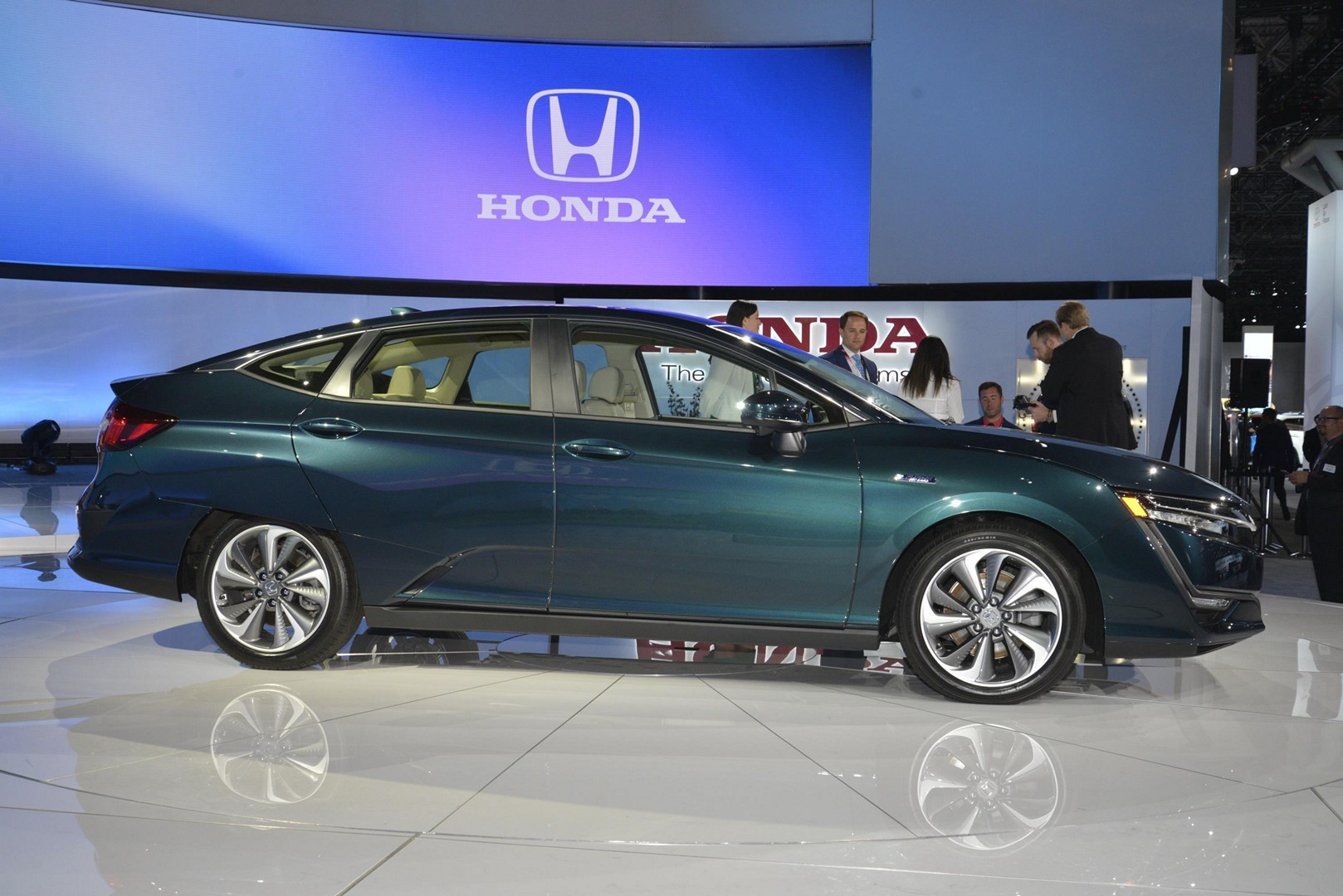 Honda Reveals Clarity Phev And Ev In New York Autoevolution