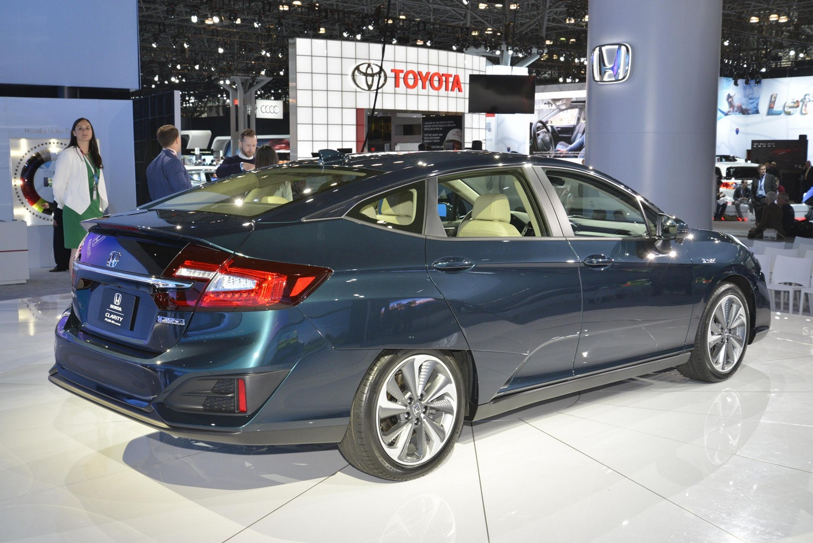 Honda Reveals Clarity Phev And Ev In New York Autoevolution