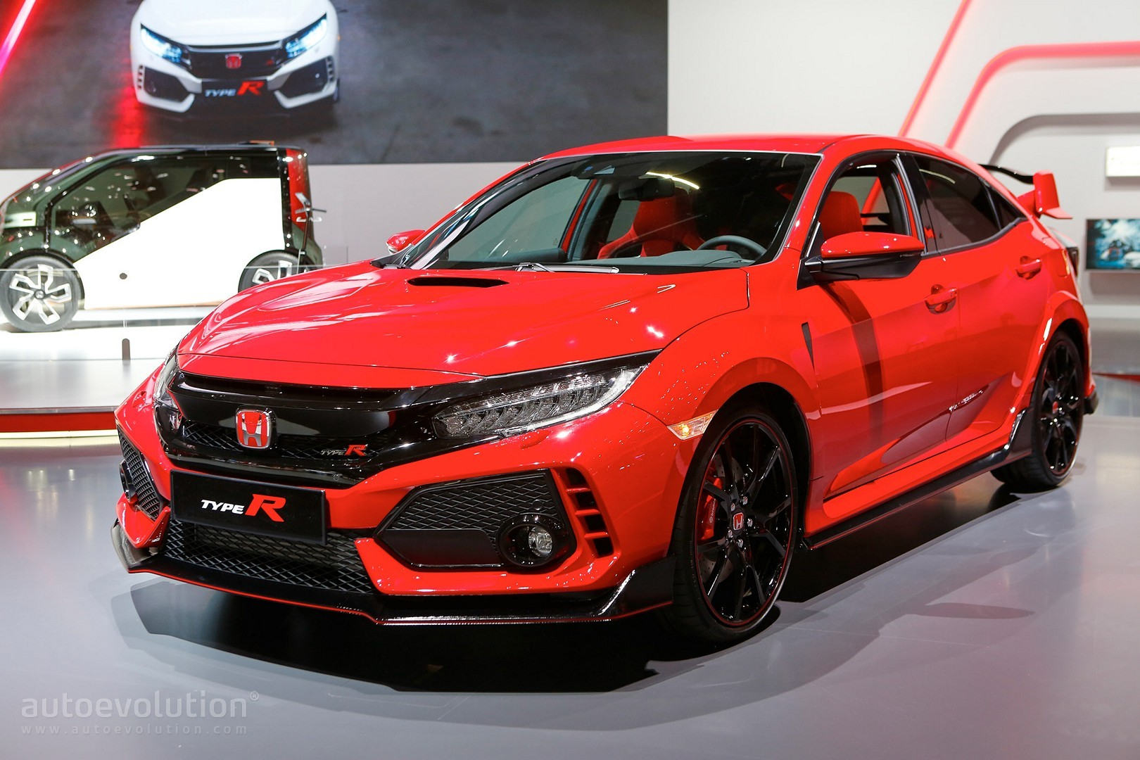Honda shows off 2018 civic type r in promo video exhaust for Buy honda civic type r