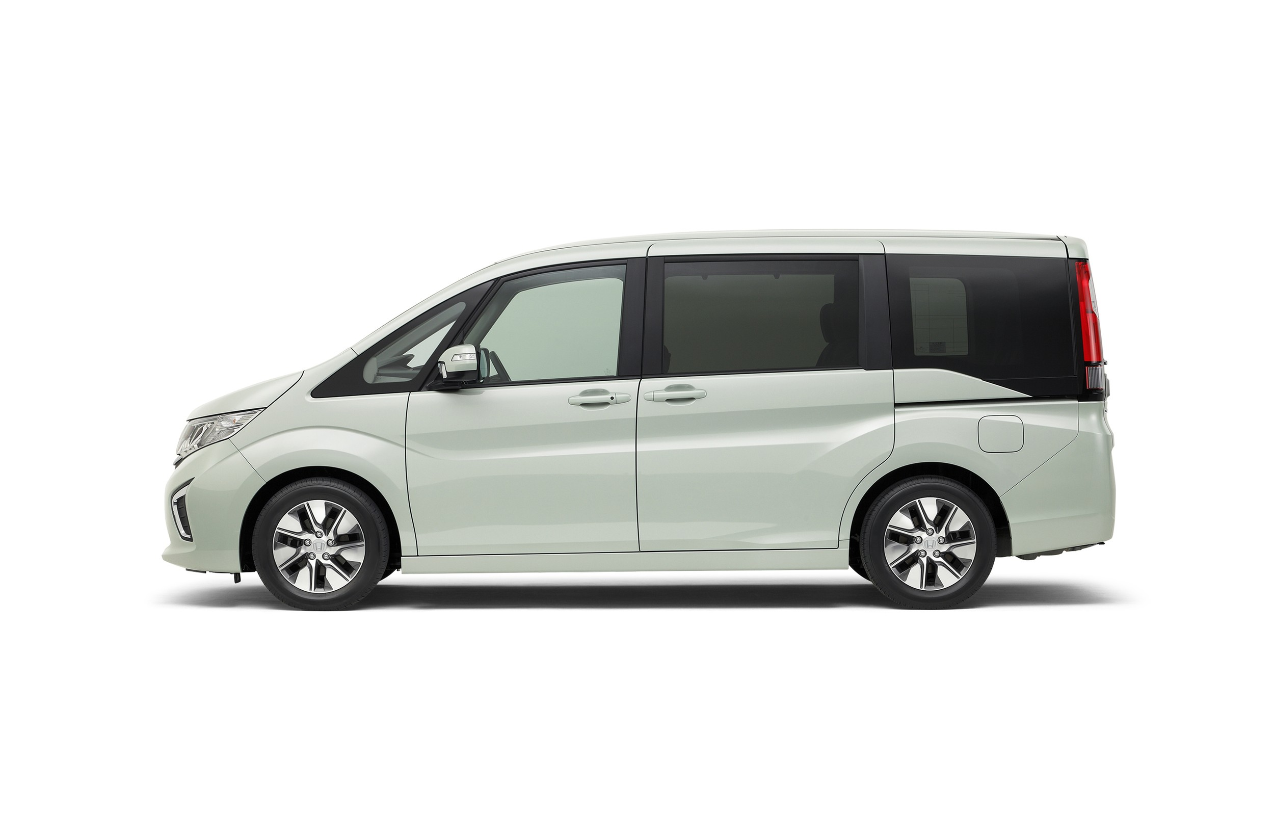 Honda Step WGN is Propelled by a 1.5L VTEC Turbo Engine in Japan - autoevolution