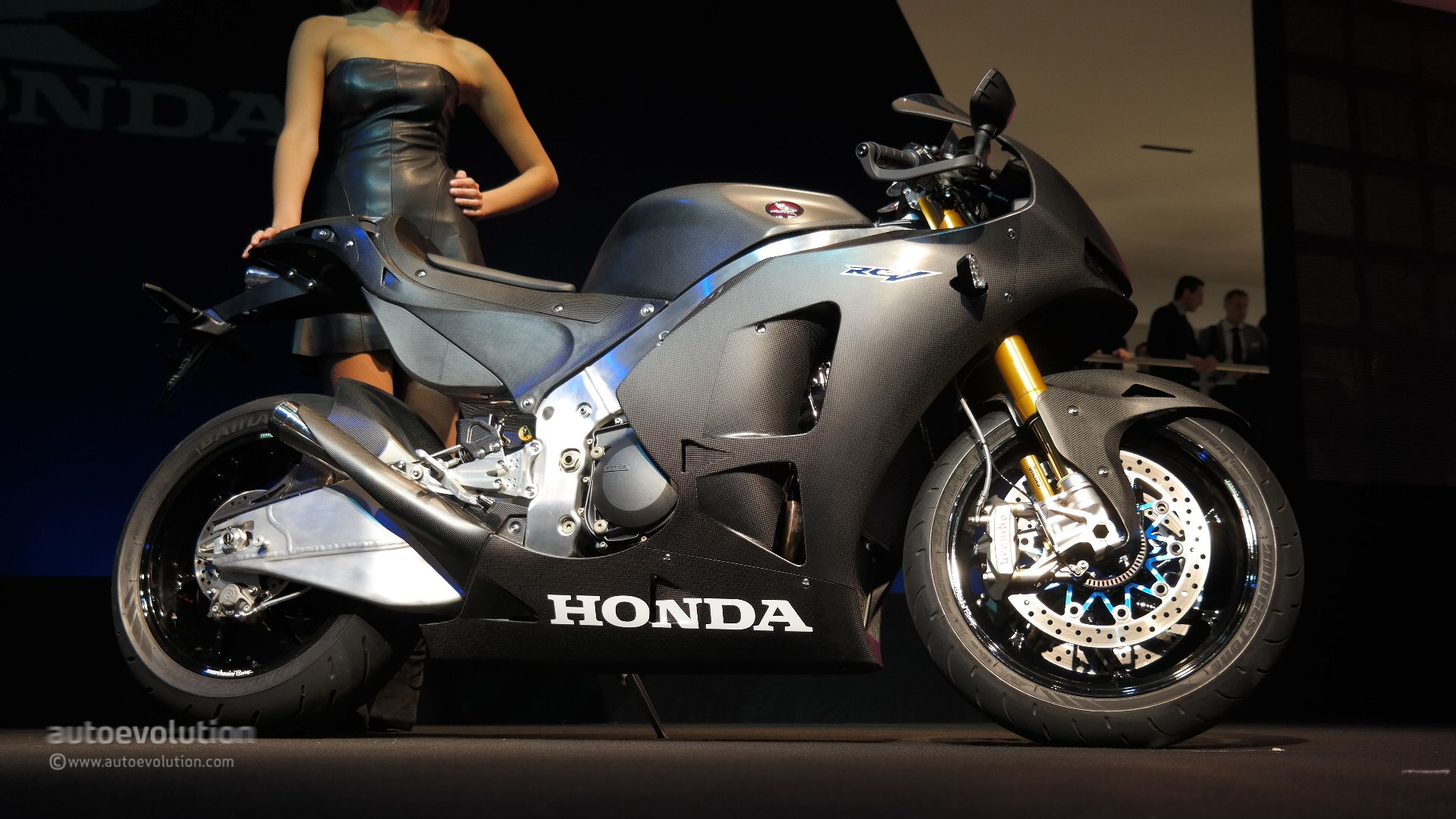 Honda Unveils Rc213v S Road Legal Hyperbike Prototype At