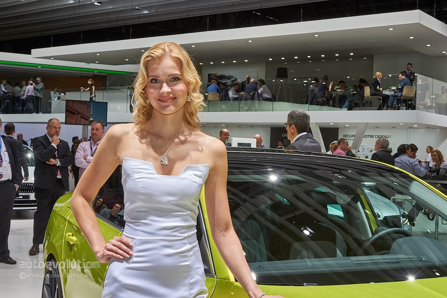 Hot Girls At The Geneva Motor Show 2015 - Autoevolution-2584