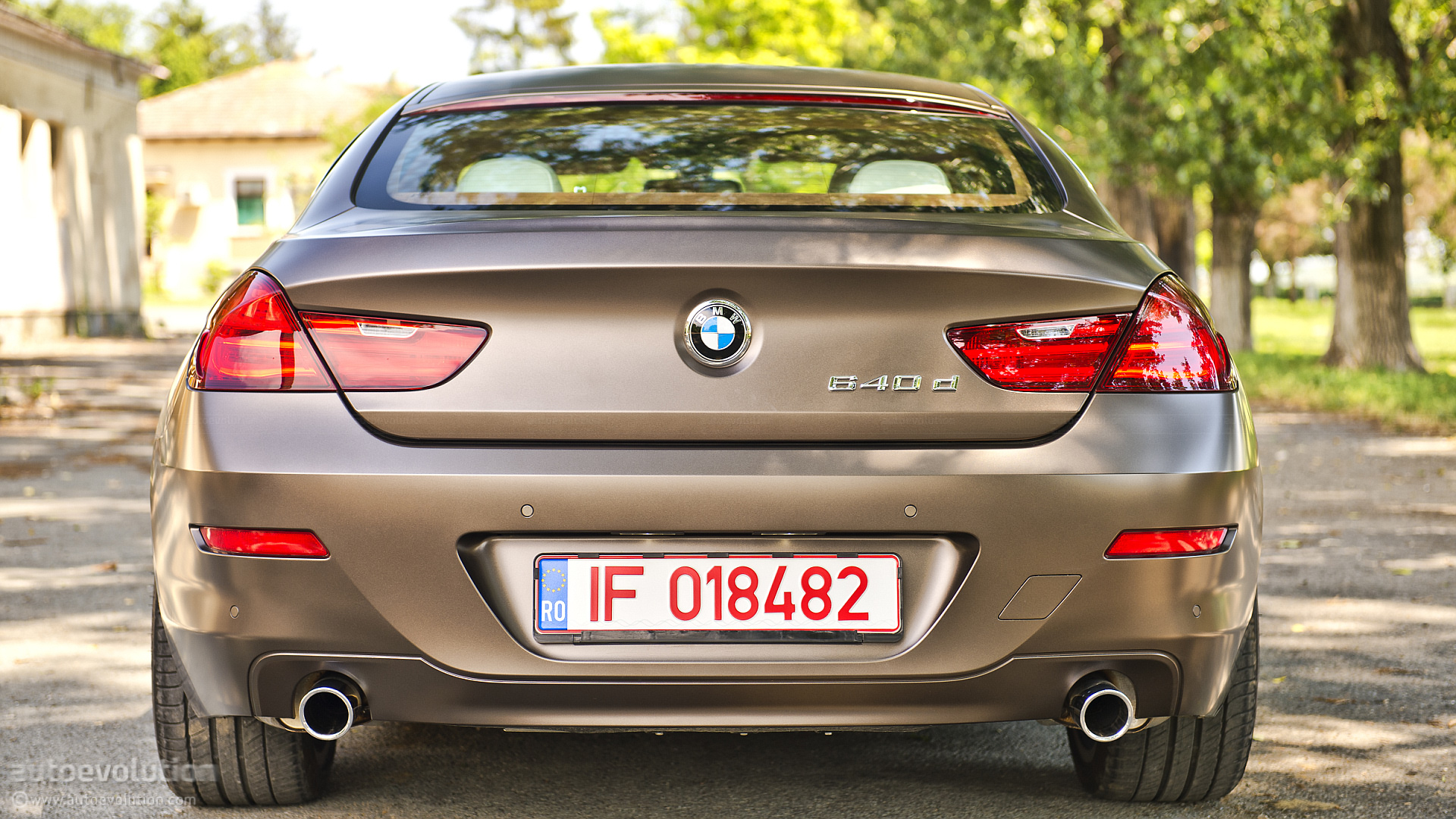 Exceptional ... BMW Frozen Paint ...