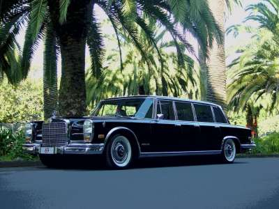 Limos For Sale >> Hugh Hefner's Twin 600 Pullman Limos for Sale - autoevolution