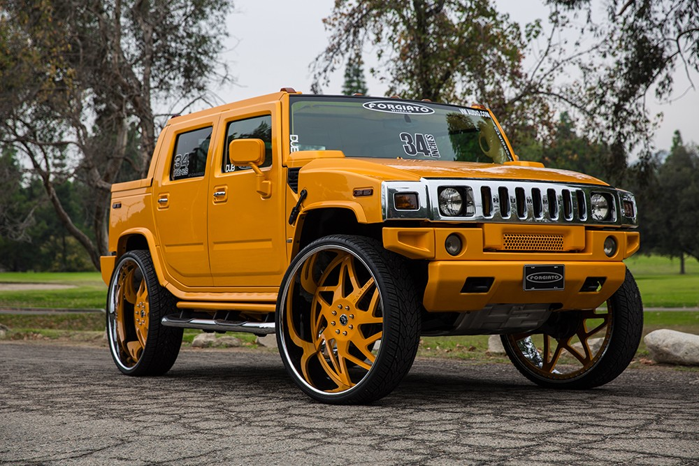 Hummer on 34-Inch Forgiato Wheels Deserves the Bad Kind of Attention