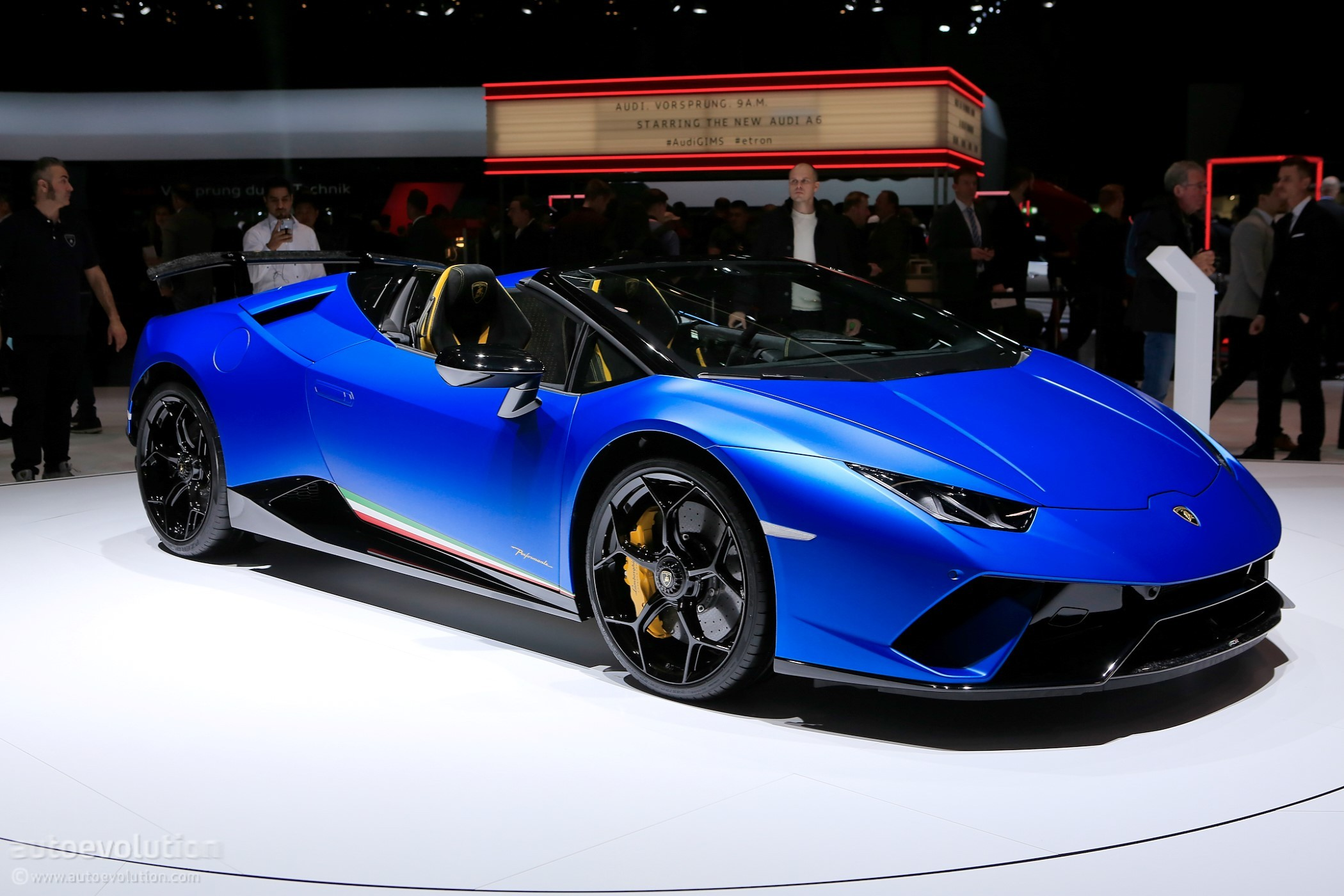 2019 Lamborghini Huracan Performante Spyder Makes Jaws Drop In