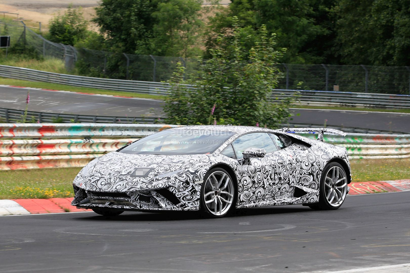 Huracan Superleggera And Green Aventador Miura Homage