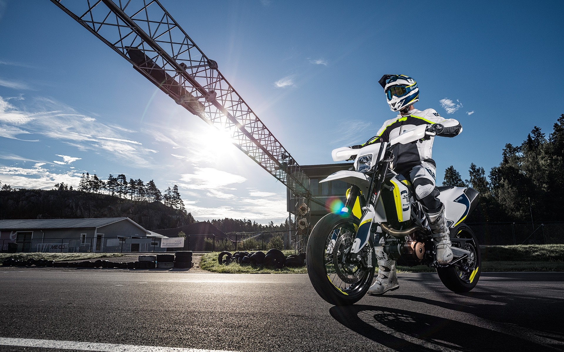 Husqvarna Releases 2017 Enduro and Supermoto 701 Bikes ...