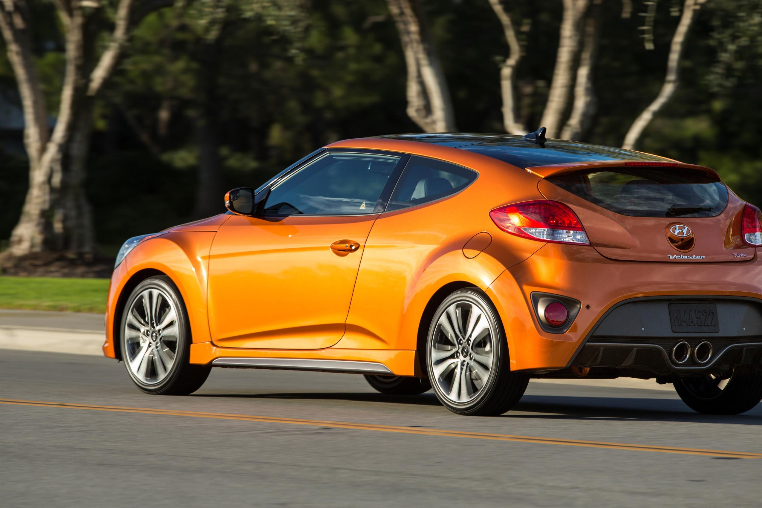 hyundai adds value minded trim level to the veloster autoevolution. Black Bedroom Furniture Sets. Home Design Ideas