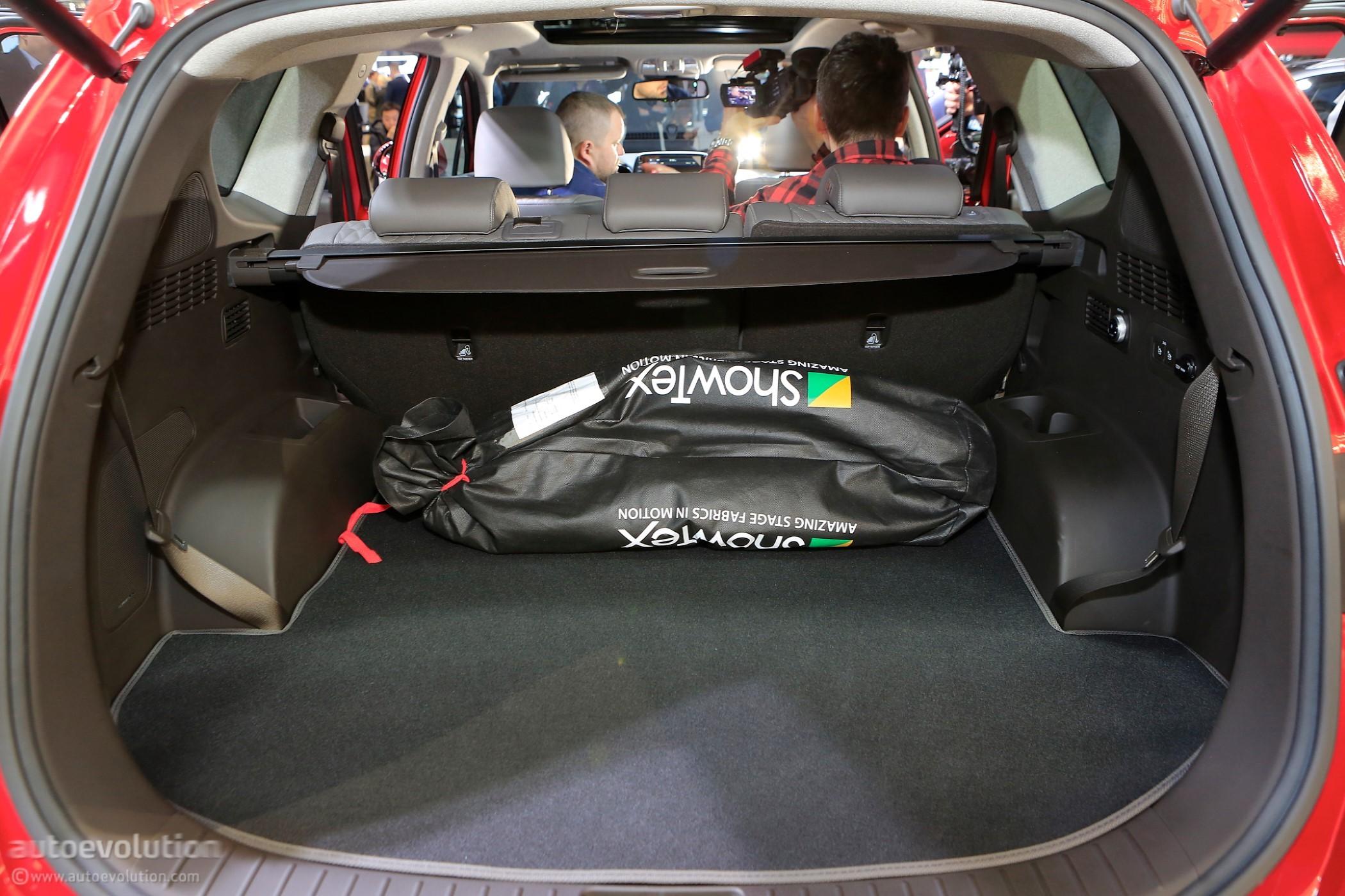 Hyundai Bringing New Santa Fe Tucson Facelift And Kona Ev