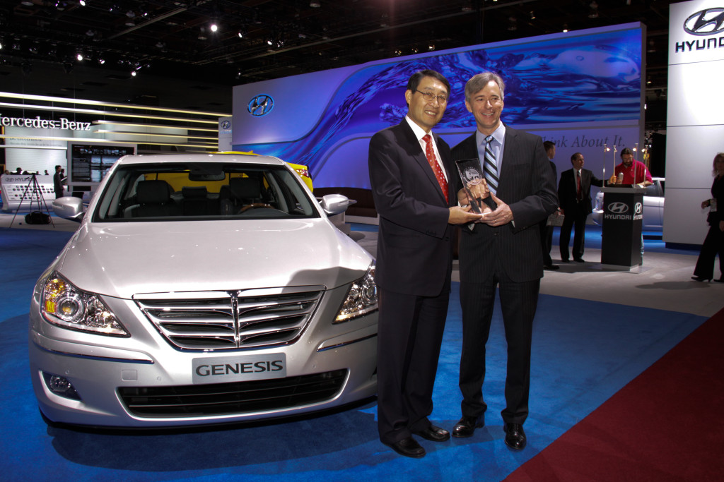 "Touareg Facelift Conversion >> UK: VW Passat is ""Large Used Car of the Decade"" - autoevolution"