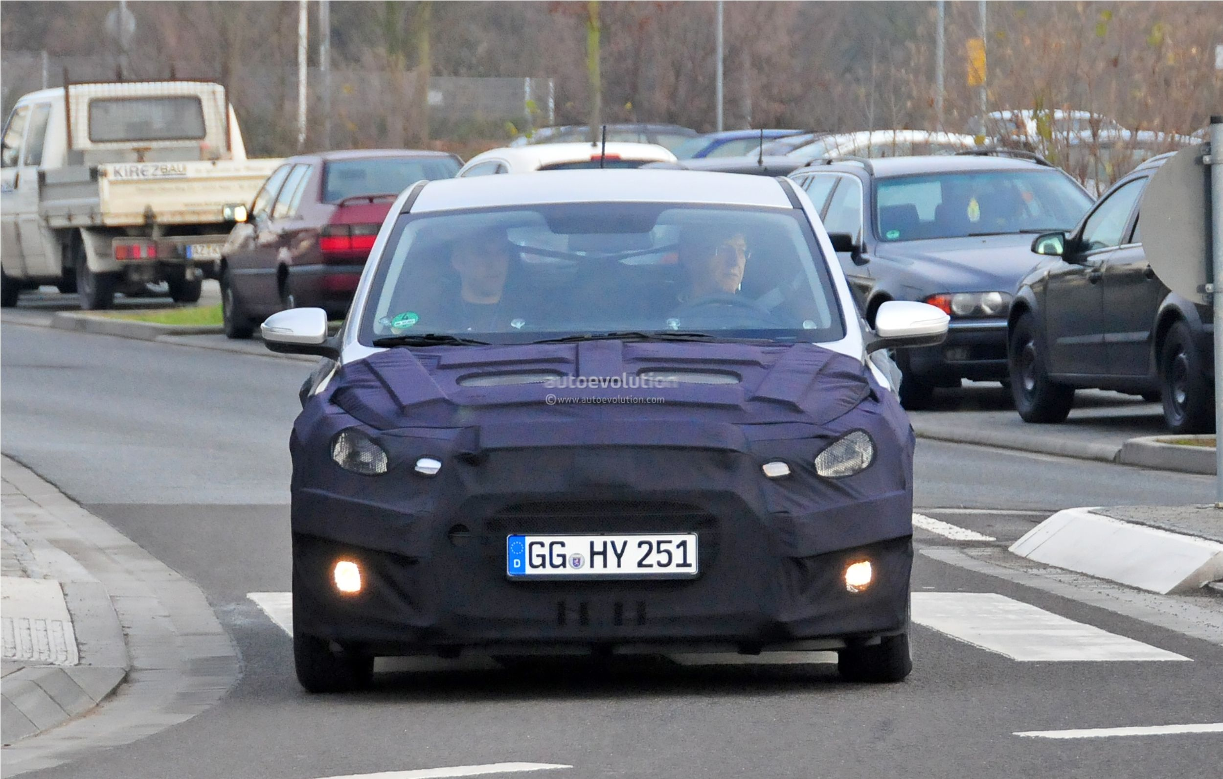 2015 - [Hyundai] i20 Coupé Hyundai-i20-coupe-spied-in-germany-photo-gallery_1