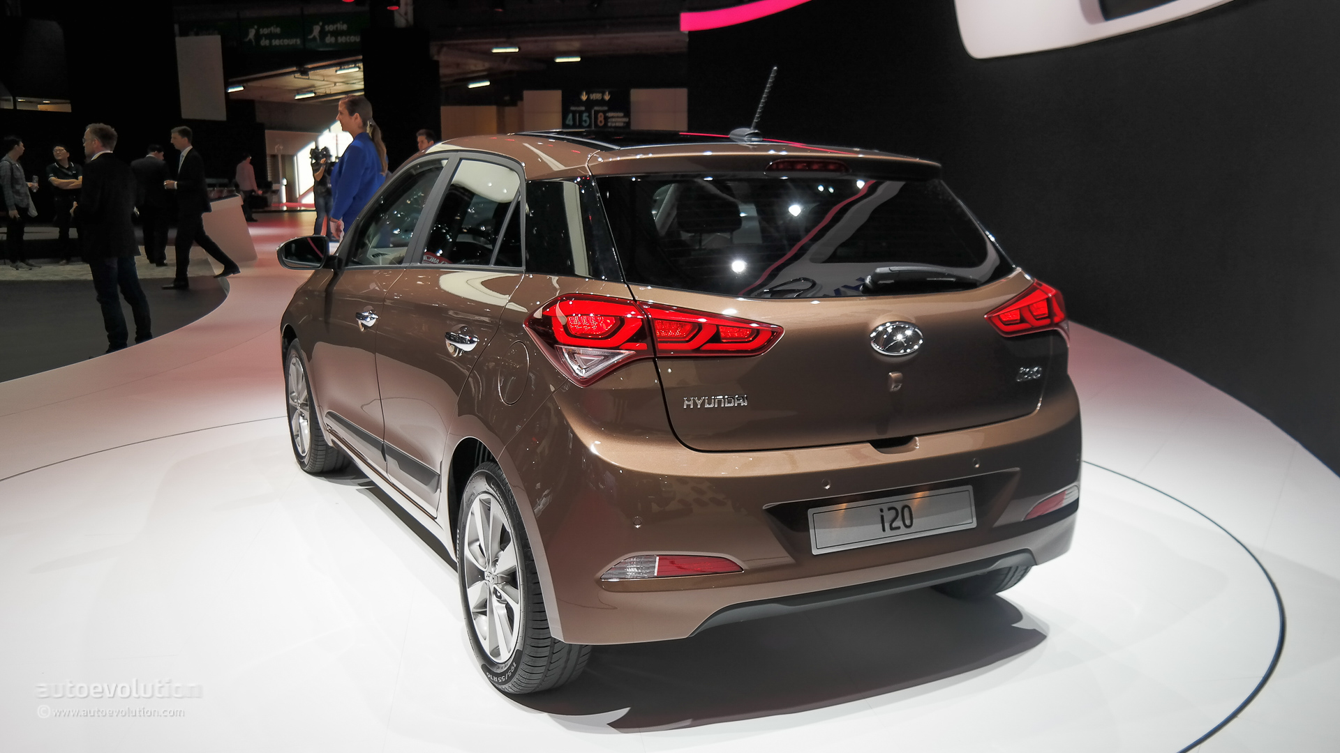 hyundai i20 pops out at paris motor show 2014 live photos. Black Bedroom Furniture Sets. Home Design Ideas