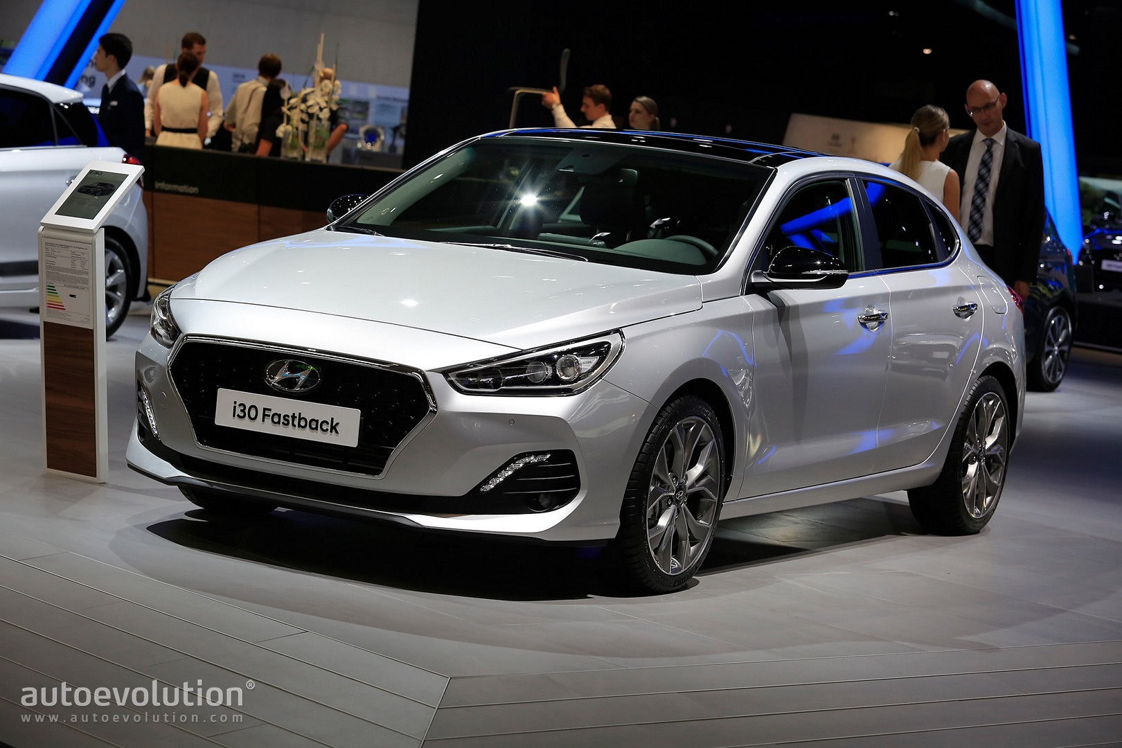 Hyundai i30 Fastback Is Not a Mustang in Frankfurt ...
