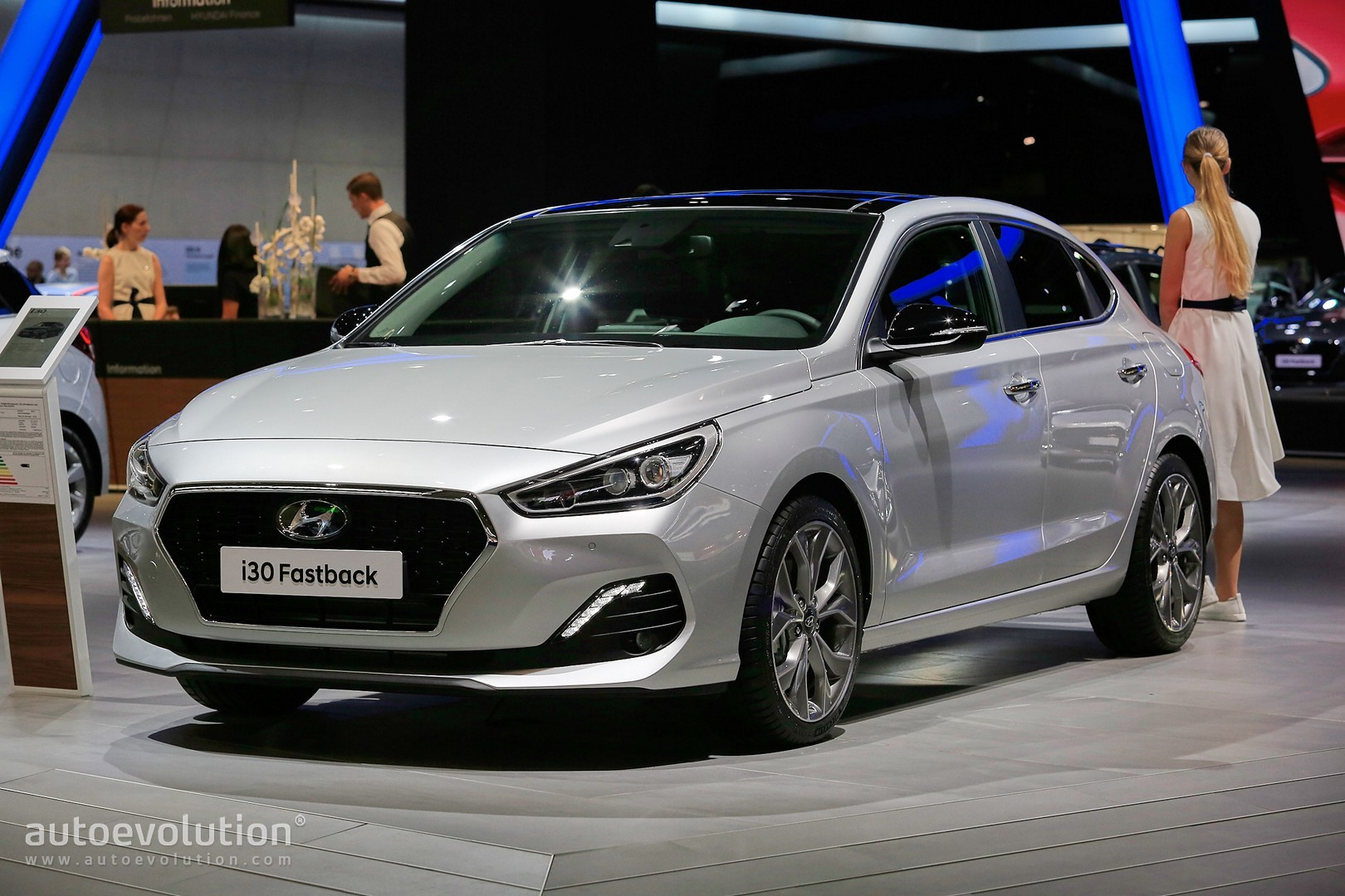 hyundai i30 fastback is not a mustang in frankfurt. Black Bedroom Furniture Sets. Home Design Ideas